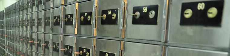Medium locker