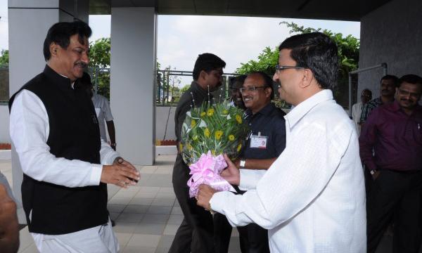 Vice Chairman Mr Khaire Welcoming Honble CM of Maharashtra Mr. Prithviraj Chavan